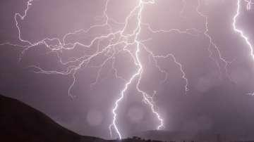 Как да се предпазим при гръмотевични бури в планината?
