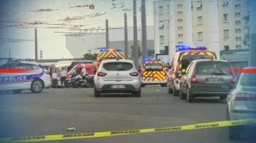 Нападение с нож на метростанция в предградие на Лион