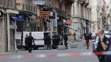 Полицията продължава да издирва заподозрян за взрива в Лион