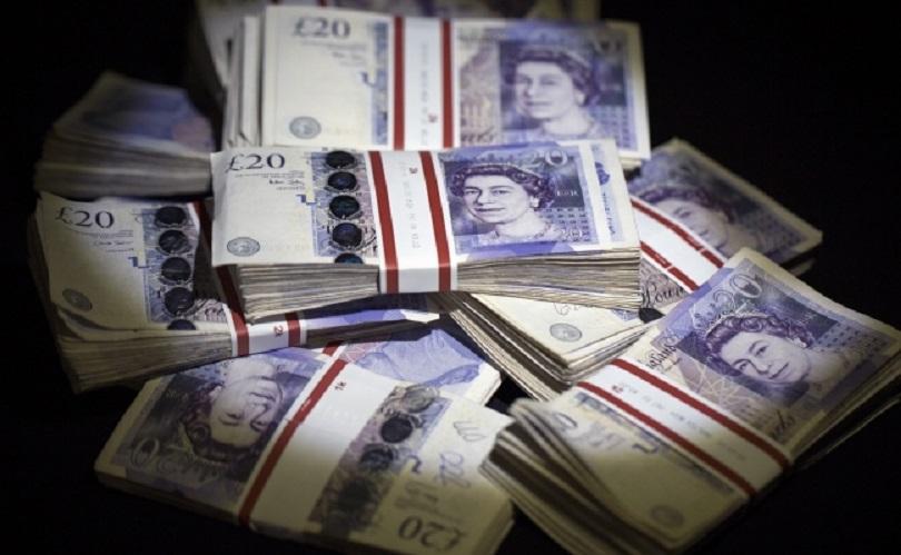 британската лира ниска стойност октомври насам