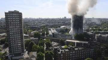 Поне шестима души са загинали в лондонския пожар