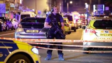 Повтаря се отново: Този път бус се вряза в пешеходци край джамия в Лондон