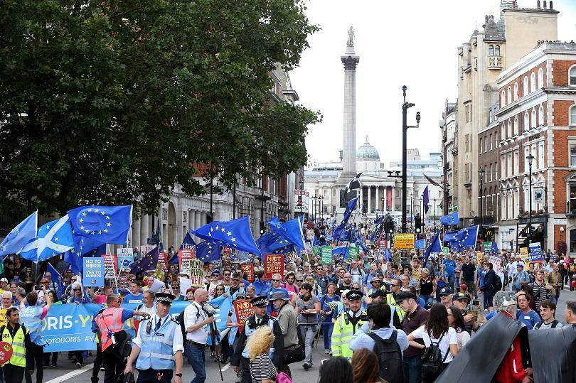Противници на Брекзит се събраха на протест в центъра на
