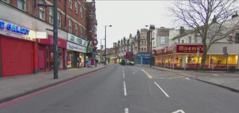 Британската полиция обяви името на мъжа, който намушка двама души