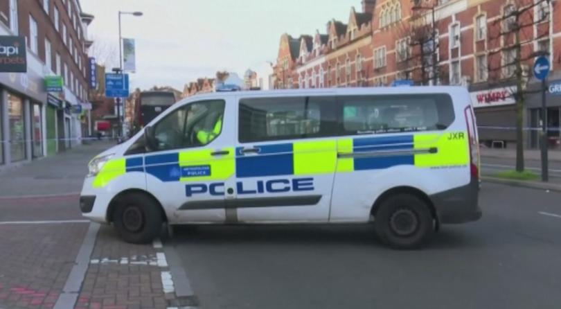 Арестуваха мъж, извършил нападение в лондонска джамия (ВИДЕО)