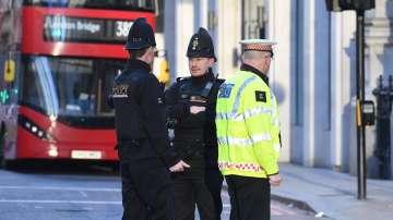 Най-малко петима души са ранени след атака с нож на Лондон Бридж