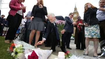 Великобритания е в шок след убийството на депутатката Джо Кокс