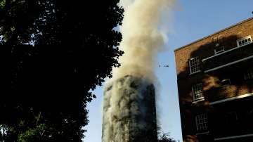 Няколко души са с различни наранявания при пожара в Лондон