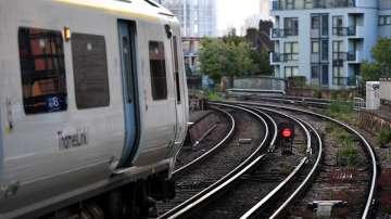 Метрото в Лондон спря след авария с електрозахранването в Англия и Уелс
