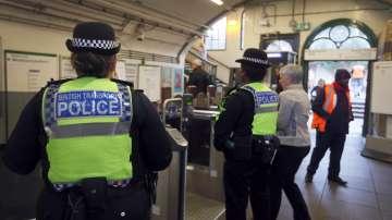 Признаха за виновен мъж, опитал да убие двама души в лондонското метро