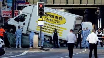 Повдигнаха обвинения срещу мъжа, опитал се да прегази мюсюлмани в Лондон