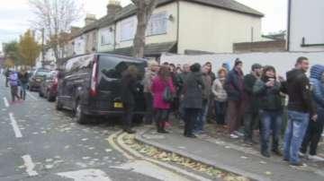 Спец.пратеник на БНТ в Лондон: Опашките се увеличават