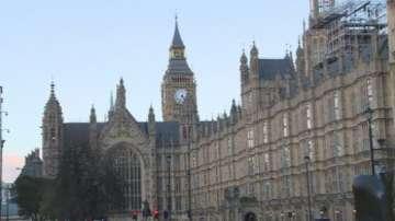 Дейвид Камерън представя споразумението с ЕС пред парламента