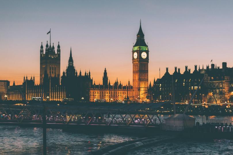 Британските депутати приеха поправка в митническия закон