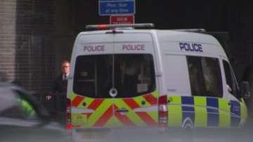 Британската полиция арестува три жени, заподозрени в тероризъм
