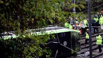 Жертви и ранени при преобръщане на трамвай в Лондон