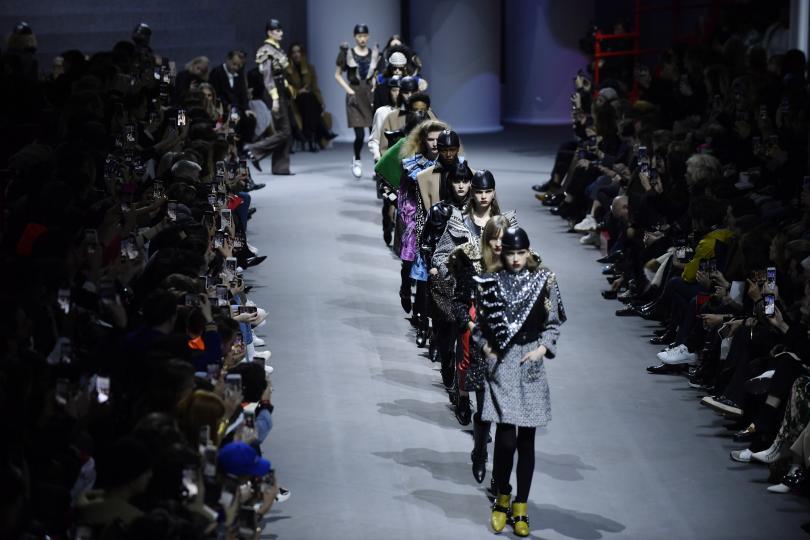 снимка 2 Почина модният дизайнер Патрик Луи Вютон