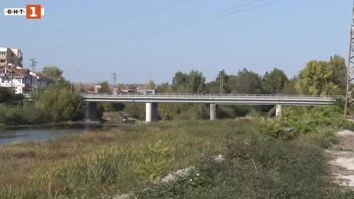Стар военен снаряд стана причина за затваряне на пътя Ловеч-Севлиево
