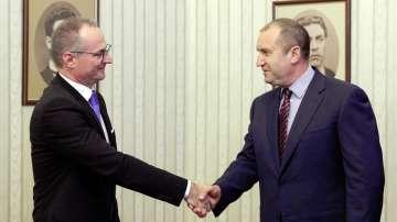 Лозан Панов поиска от президента да свика консултации за Велико народно събрание