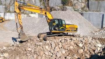 Жителите на с. Лозен на протест заради строителна кариера