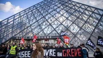 Лувърът отвори врати след стачката във Франция