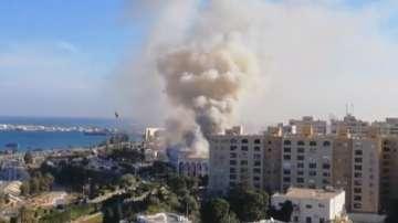 Трима души бяха убити при нападение над правителствена сграда в Либия