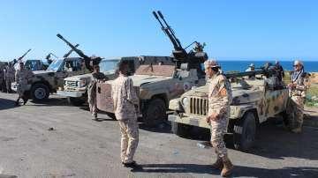 Либийското правителство обеща да защити Триполи от настъпващите сили на Хафтар