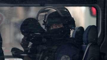 Продължава издирването на заподозряния за експлозията в Лион