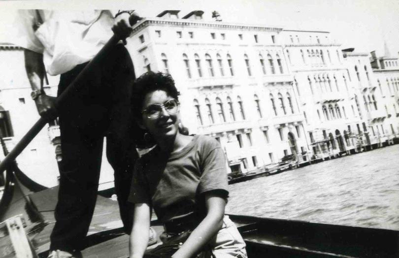 снимка 6 Отвъд границите: Мария Н. Ангелова и песента на цикадите