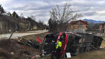 Траур в Македония: 14 души загинаха, 20 са ранени при автобусната катастрофа