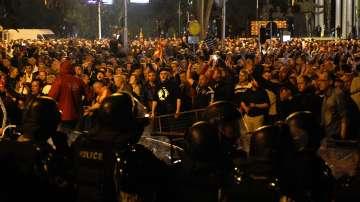 Какво запали искрата на напрежението в Скопие?