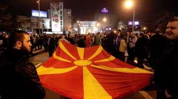 Политическата криза в Македония се пренесе в протести на улицата