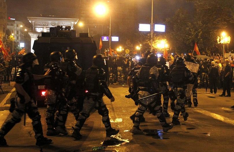Отново протести и арести в Скопие против против договора за