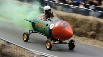 Близо 60 отбора участваха в луда надпревара със самоделни возила в София