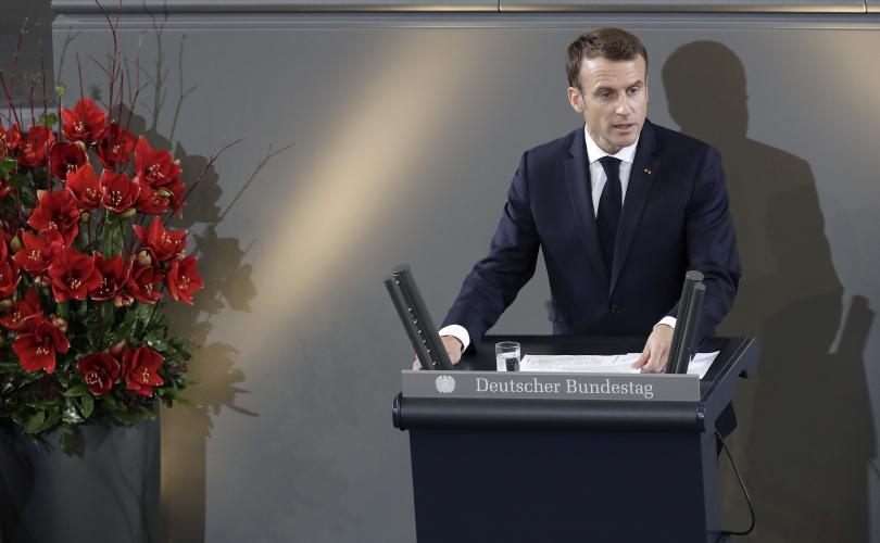 Френският президент посети Берлин в деня на германския национален траур