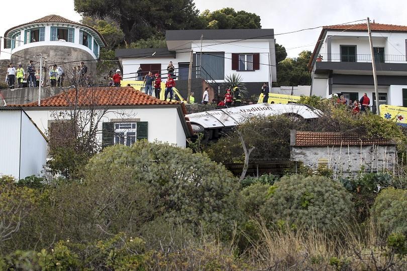 Расте броят на жертвите на тежката катастрофа на остров Мадейра.