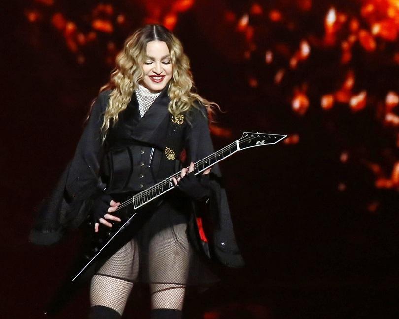 Мадона се оплака, че телефоните са разрушили връзката с децата