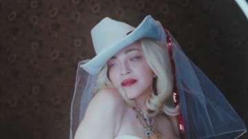 """Излиза """"Madame X"""" - новият и провокативен албум на Мадона"""
