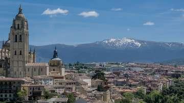 Испания заличава символите на Франко