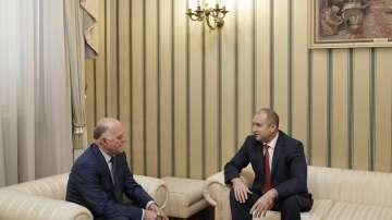 Президентът Радев се срещна с представляващия ВСС Боян Магдалинчев