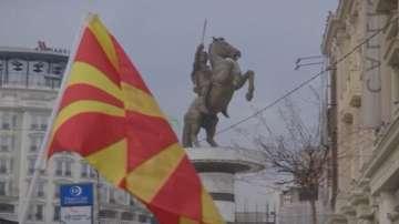 Македонският парламент разгледа договора с Гърция за новото име