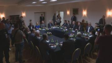 Лидерски консултации за референдума в Македония