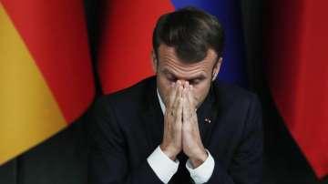Рейтингът на Макрон с рекорден срив след протестите в Париж