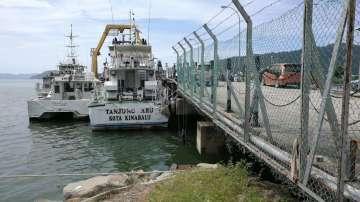 Трима загинали след изчезването на кораб с китайски туристи край Малайзия