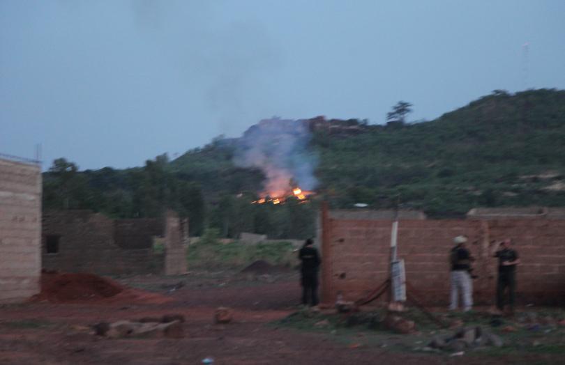 убити четирима нападателите малийския курорт