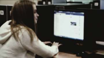 Малките репортери за опасностите, които крие Фейсбук