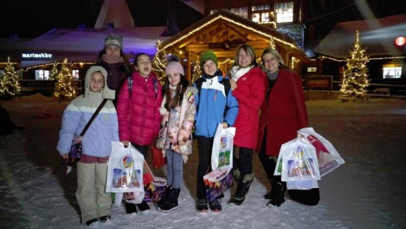снимка 2 Гледайте филма Вълшебен ден: Малките репортери при Дядо Коледа в Лапландия