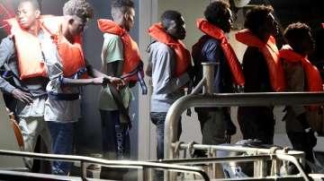 Малта прие кораб с мигранти
