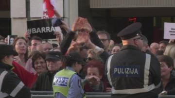 Протести в Малта за оставка на премиера заради убийството на Дафне Галиция