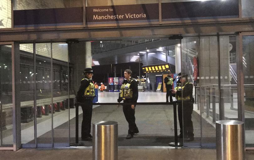Тежък инцидент беляза новогодишната нощ в Манчестър - трима души